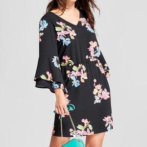 Floral Tiered Bell-Sleeve Dress Black v-neck